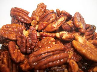 Honey roasted pecans 2 Cups Pecans 2 Tbsp Butter, melted 1/3 Cup Honey  Preheat Oven to 400* Line a cookie sheet with parchment paper. Mix butter and honey until...