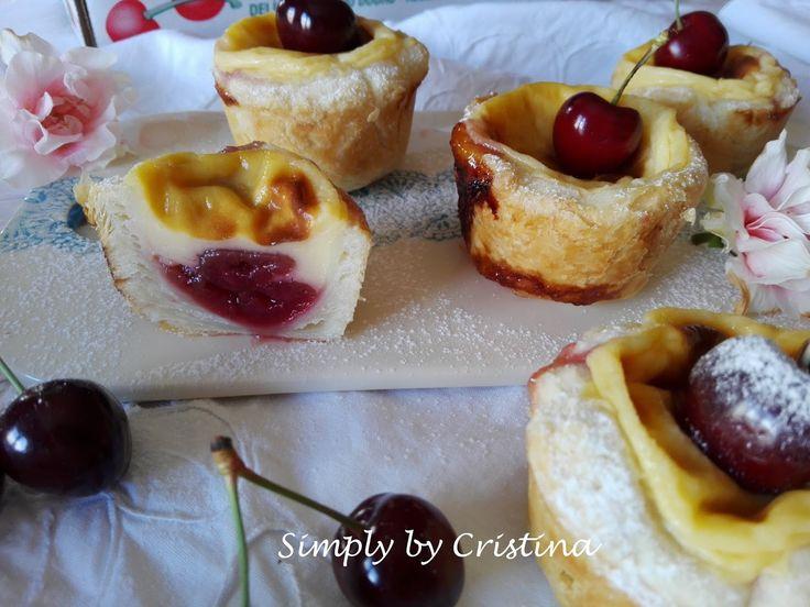 Se cá pelo Blog já se passeiam várias receitas de Pastel de Nata, mais uma é sempre bem-vinda, certo?   Desde os simples Pastéis de Nata  ,...