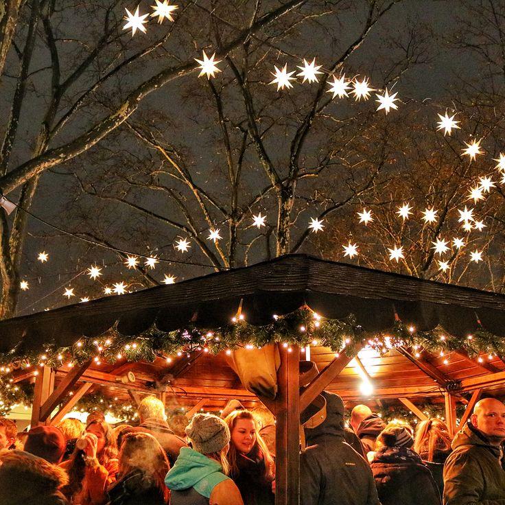 Merry Merry Christmas everybody ! @jess_stl @ooi.mikeomikey @teoh.lydia @fel_sl @angiespteoh . . . . . . . . . . . . #christmas #christmastree #christmaslights #festive #wish #germany #europe #cologne #köln #frankfurt #december #winter #happy #hygge #enjoy #life #weekend #travel #travelgram #instatravel #travelphotography #canonphotography #canon #instadaily
