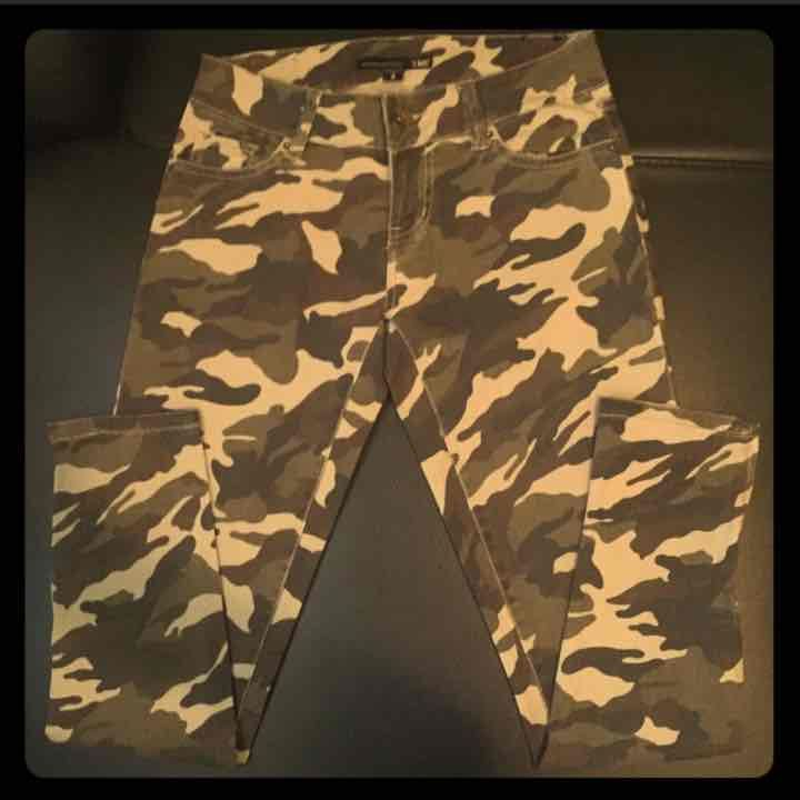 LIKE NEW YMI Army Camo Skinny Jeans - Mercari: BUY & SELL THINGS YOU LOVE