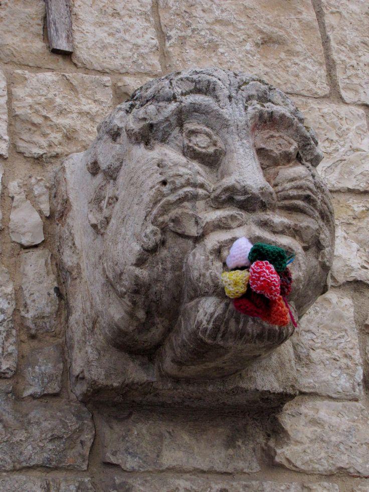Guerrilla Knitting, yarn bomb. Bitetto, Notte di San Giovanni