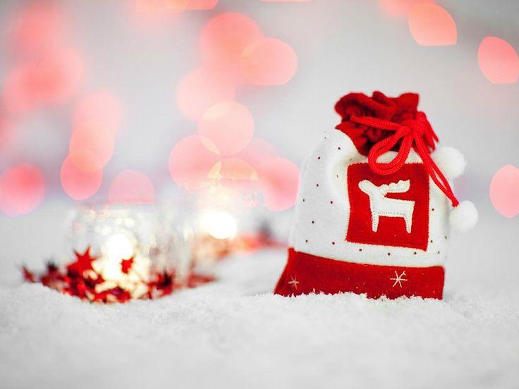 Het achttiende deurtje alweer met een exclusieve kortingscode voor €9,80 korting bij LightInTheBox. Hier vind je niet alleen de leukste mode-cadeautjes en accessoires, maar ook handige gadgets - voor ieder wat wils. Veel stopplezier via GoedeKortingscodes.nl! #adventskalender #Kerst #kortingscode
