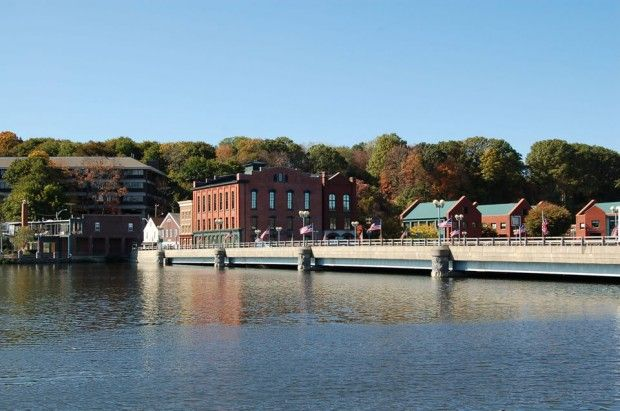 Quintessential New England in charm and atmosphere, Westport is a sophisticated suburban community of about 27,000 people.