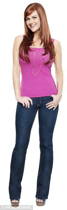 Look at me now! Less Than Perfect star Sara Rue unveils her new body after losing 3st 5lb