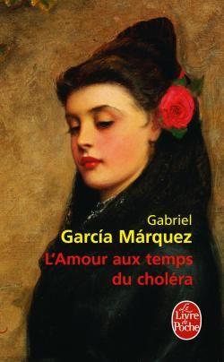 """""""Éperdu de bonheur, Florentino Ariza passa le reste de l'après-midi à manger des roses et à lire la lettre, à la relire mot à mot une fois et une fois encore, mangeant d'autant plus de roses qu'il la lisait et la relisait, et à minuit il l'avait lue tant de fois et avait mangé tant de roses que sa mère dut le cajoler comme un petit veau pour lui faire avaler une décoction d'huile de ricin."""""""