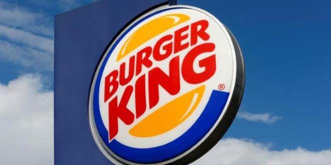 Büyük yemek zincirleri içerisinde bulunan Burger King, bilinen hamburger ismi Whopper için bir rekla...