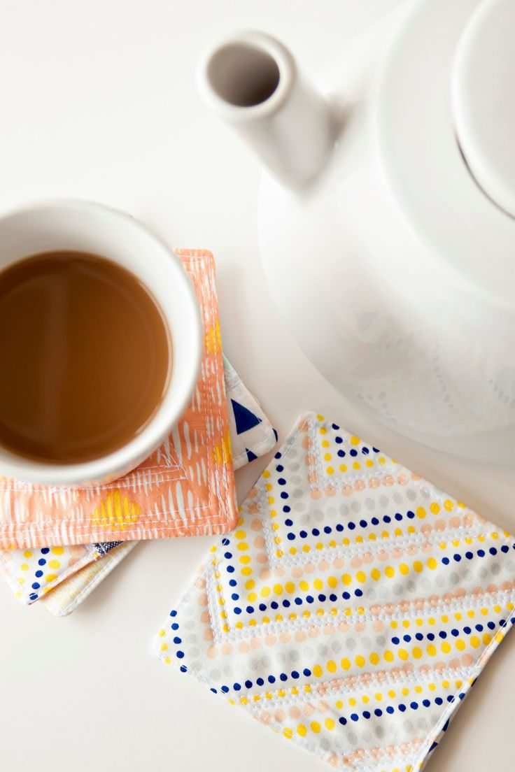 modern quilted coaster tutorial.