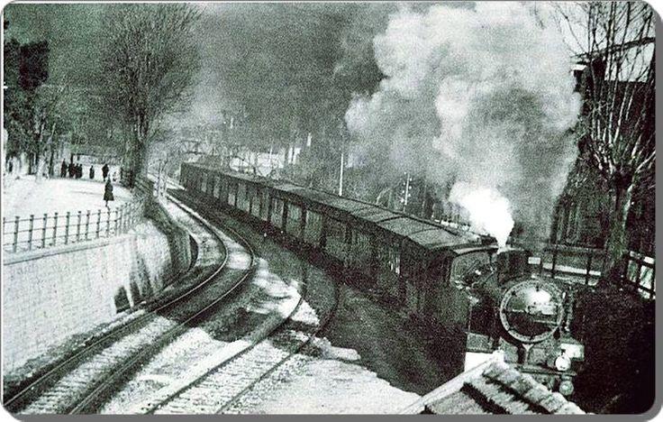 istasyonların romantik olduğu dönemlerde Bakırköy Tren İstasyonu, 1950ler...#istanbul #istanlook