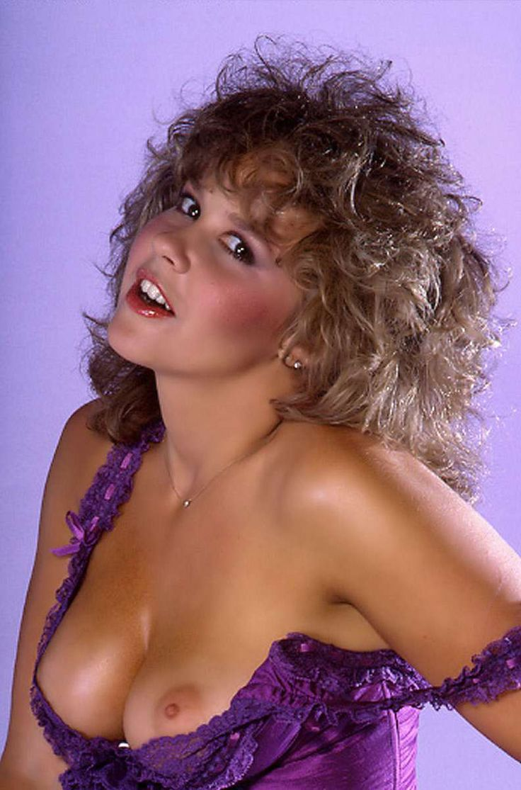 Linda Blair 34C-24-34  Linda  Pinterest  Sexy -4018