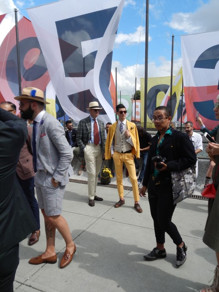 Yellow suits are definite show-stoppers #style #mensfashion #pitti #summer
