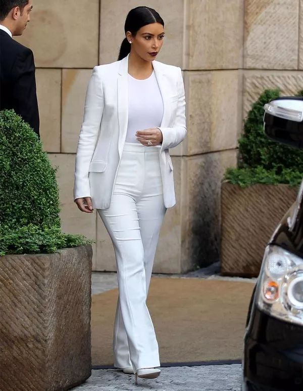kim-kardashian-look-white