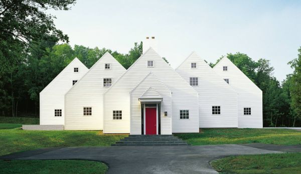 A collection of classic clapboard residences, from simple cottages to spectacular mountain homes