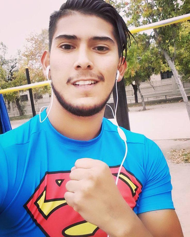 Excelente trote y ejercicios al aire libre  que hasta chascon me vea riiiiks  #instachile #chilegram #running #run #superman #superboy #goodmorning #instasantiago #cuteboy #sport #followme by felipe.pizarro