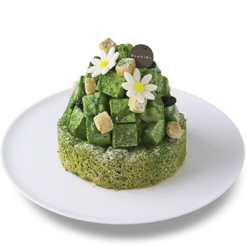 To Dakowazu dough with Kyoto Uji green tea, aperture vanilla ice, it was combined black beans a cube-shaped green tea ice cream topping, in accent. Matcha original deep elegant sweet and bitter features.