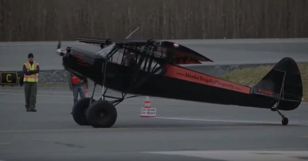 2 vídeos de aterrizajes y despegues de aviones impresionantes