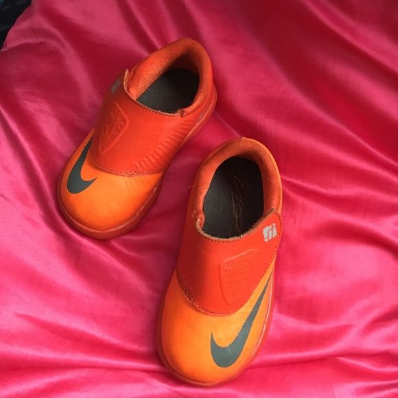 Toddlers KD VI Just like shown on pictures, very little damage. Come with original box Nike Shoes Sneakers
