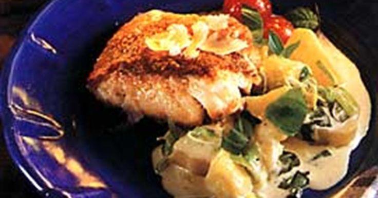 Bjud på frasiga fiskfiléer med krämig och god potatis.