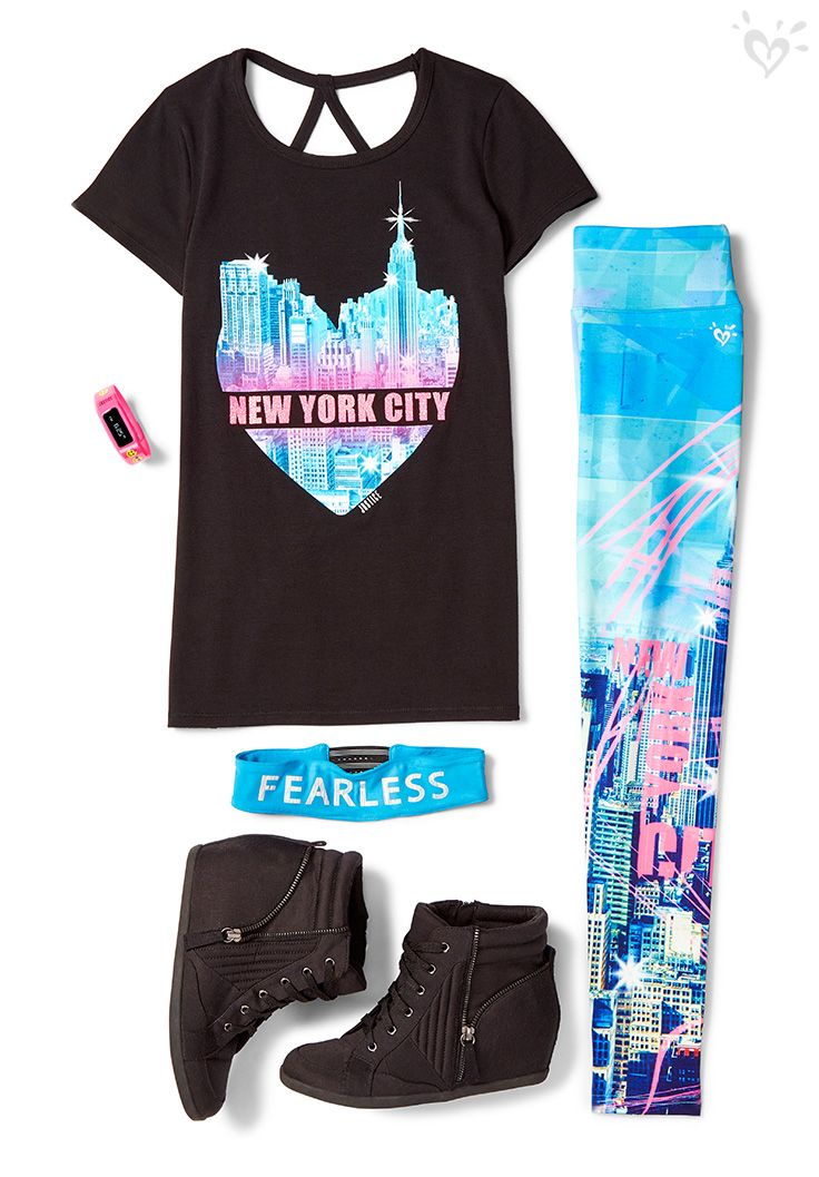 Do you <3 New York? Let the world know it with matching leggings, tees and head wraps. Complete the look with so-now wedge sneakers!