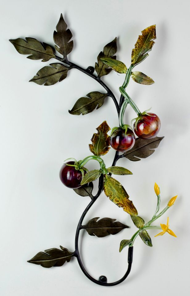 Glass and metal Tomato sculpture by flameworker Loy Allen
