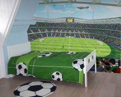 Posterbehang voetbal Posters Slapen tussen de sterren van jouw favoriete voetbalclub. Dat kan met dit voetbal behang.