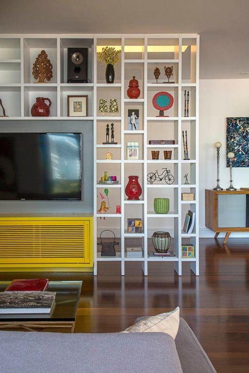Utiliza una #estantería como separador de dos habitaciones. Ganarás espacio de #almacenaje