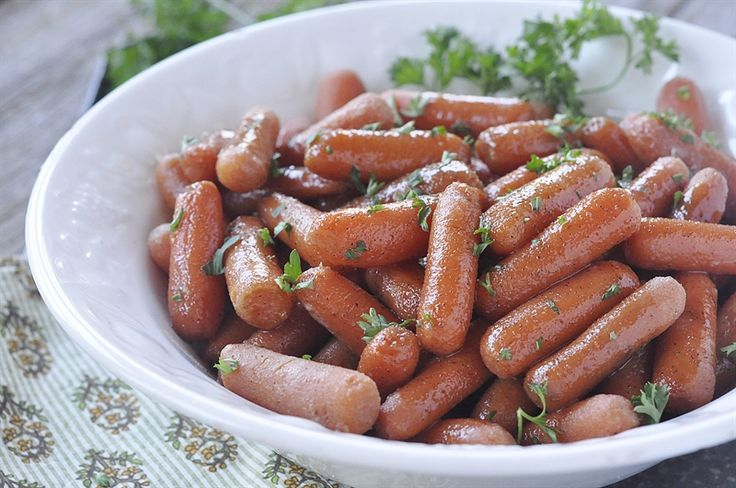 Free up your oven and stovetop space on Thanksgiving with these Slow Cooker Cinnamon Honey Carrots.