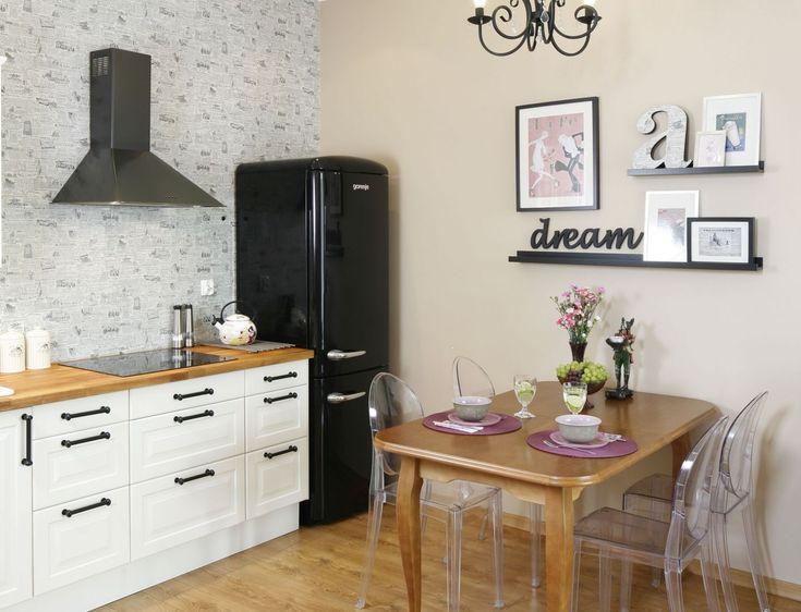 Salon Z Otwarta Kuchnia Urzadzony W Stylu Retro Projekt Arch Joanna Morkowska Saj Fot Bartosz Jarosz Kitchen Cabinets Home Decor Decor