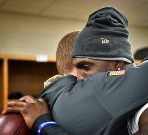 An emotional moment.   Cowboys WR Dez Bryant had 6 catches for 119 yards, with 1 TD, in Sunday's 35-30 victory over the Pittsburgh Steelers, a day after learning that his father passed away, while Bryant was on the team's flight to Pittsburgh.  Jason Garrett gave Dez the game ball, after the team's victory over the Steelers. Class act.