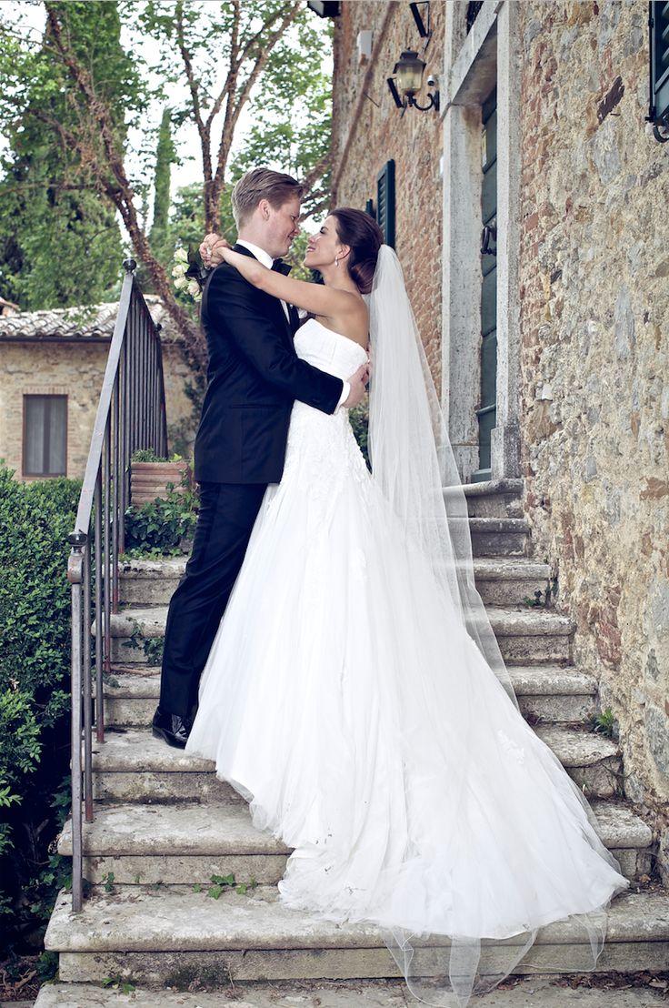 Vårt vakre bryllupspar, bryllup på vingård i Toscana er den perfekte rammen til ditt bryllup.