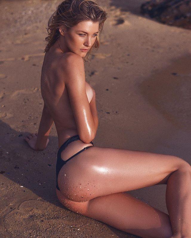 sexy greek girl
