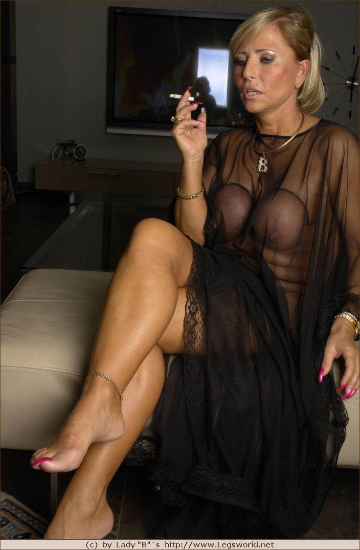 Mature women smoking-6571