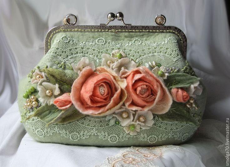 """Купить сумочка """"Отрада"""" - мятный, коралловый, коралловые розы, розы, букет роз, Валяние"""