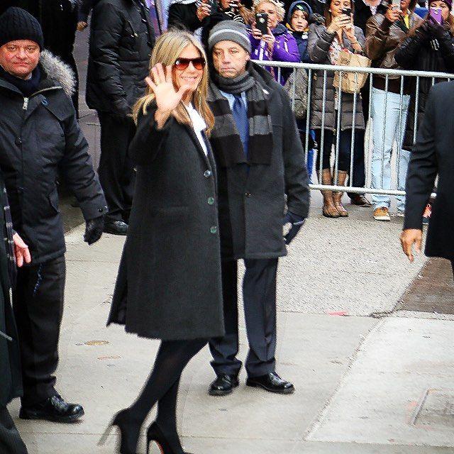 #jenniferaniston #celebrity #hollywood #actress #beautiful #tb #newyork #nyc #timessquare #abc #goodmorningamerica #sunglasses #canon #instalike #instafollow #instamood #instaceleb #migosphotography @jenniferanistononline http://tipsrazzi.com/ipost/1506645085243248408/?code=BTorbj0gw8Y