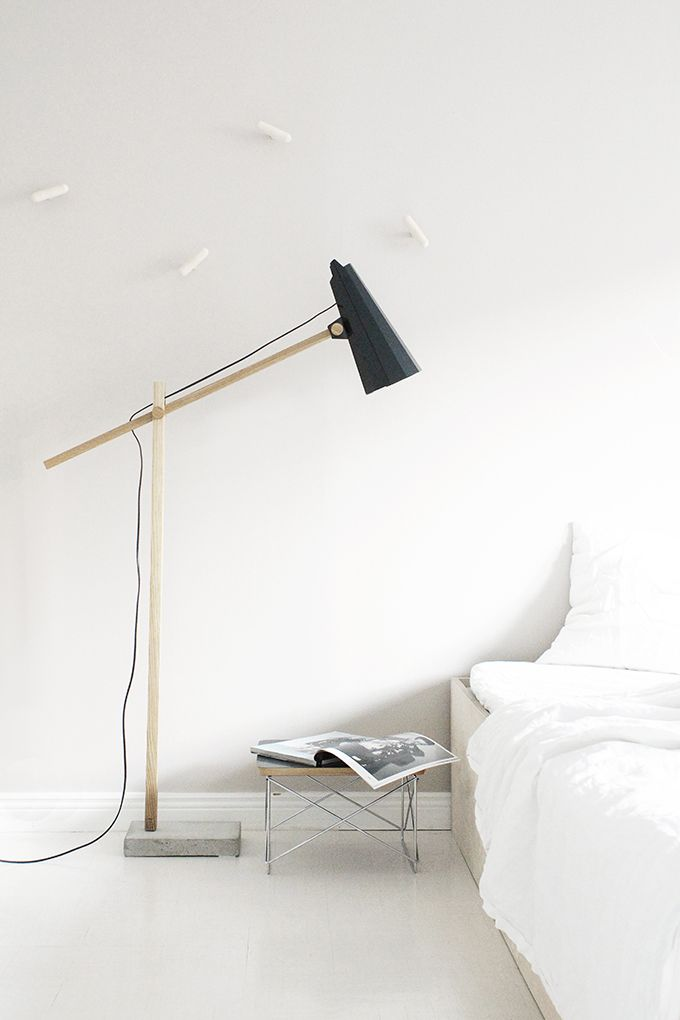 Mooie lamp. Hout en beton.