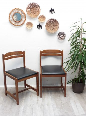 Chaises bois et skaï vintage #chair #bois #wood #vintagefurniture #vintage #70s