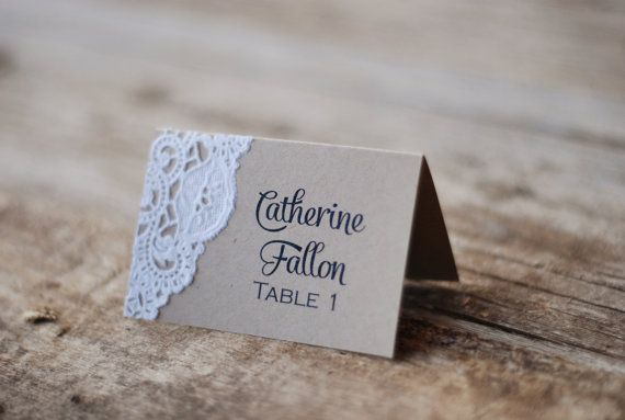 Tarjeta hecha a mano del lugar - boda rústica moderno - Tented tabla ajuste - Custom - tarjeta de la Escort - Shabby Chic - Vintage arpillera y cordón - etiqueta del Favor