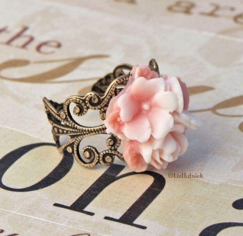 Pretty Posey Ring