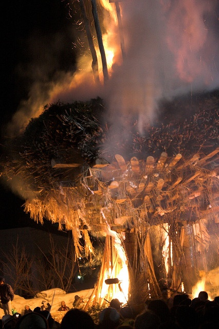 Nozawa Fire festival / Dosojin Himatsuri by Mairead Bushe, via Flickr.