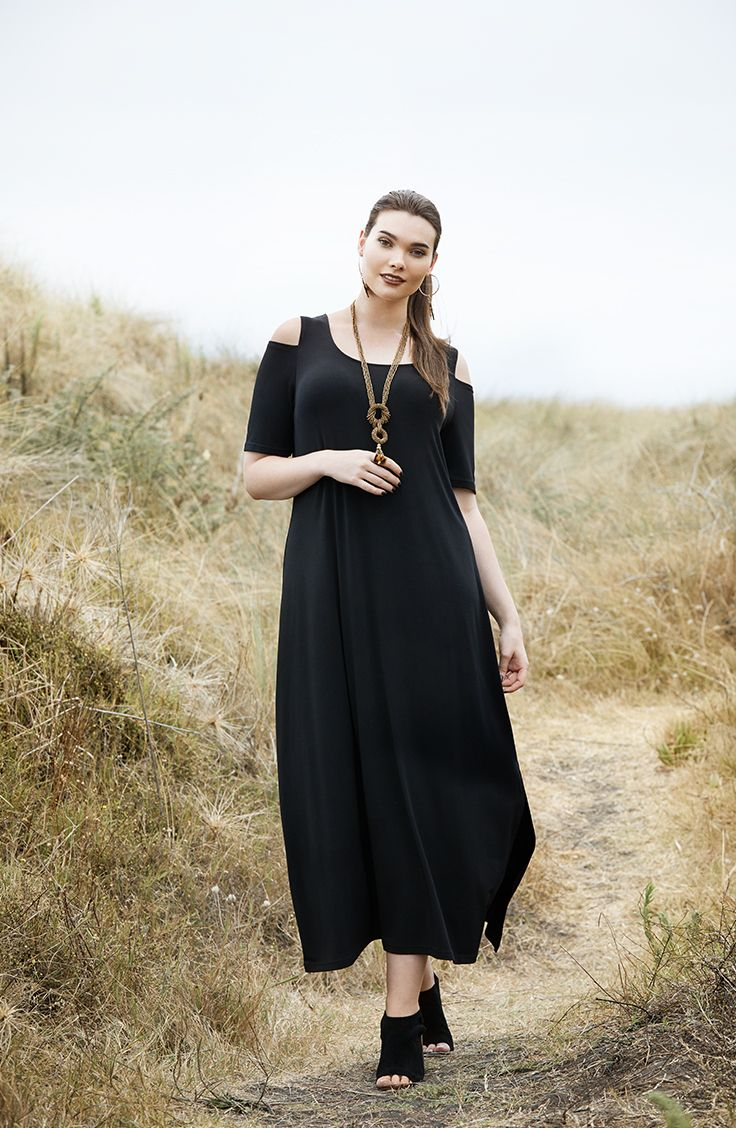 K+K - plus sized clothing for the curvy woman sizes 10-26. Cold shoulder trend. Off the shoulder dress. Black dress. LBD.
