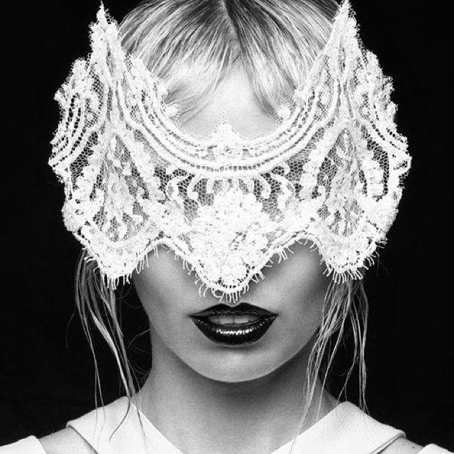 The Gaze Mask - White - Suzy O'Rourke Millinery
