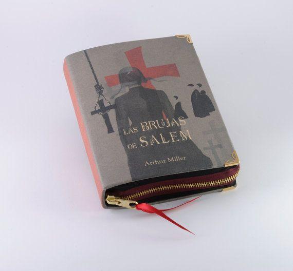 I need a book clutch! Las Brujas de Salem Book Clutch by psBesitos on Etsy, €60.00