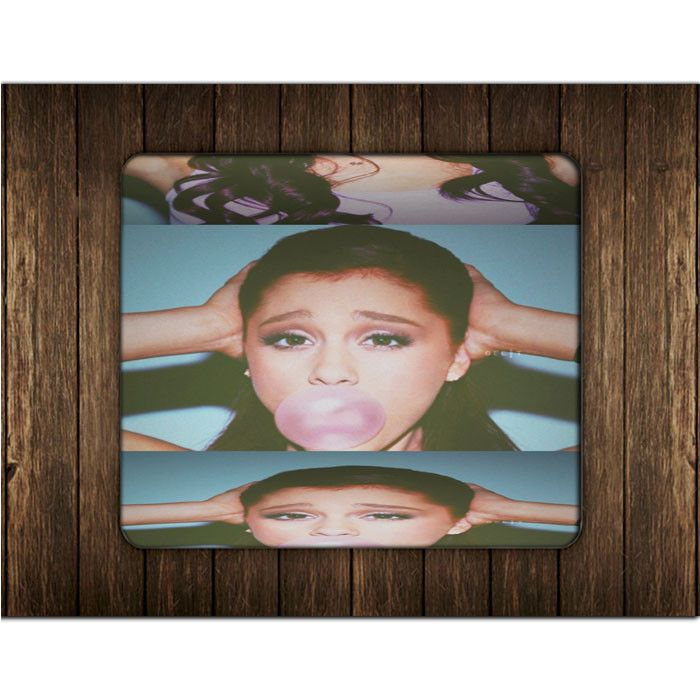 ARIANA GRANDE BUBLE GUM MOUSE PADS