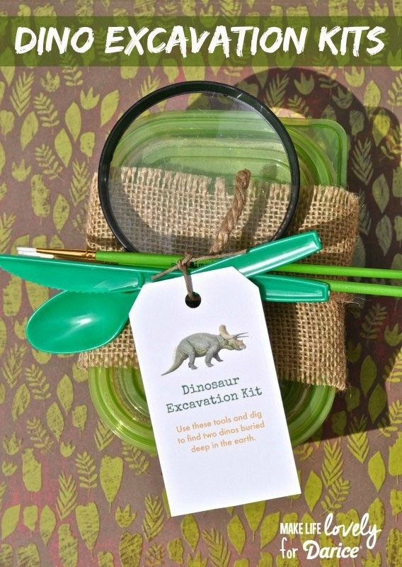 These DIY dino dig kits make the perfect activity for your budding paleontologist, or for your next dino party! Simple to make and so much fun!