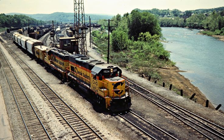B&O, Connellsville, Pennsylvania, 1984 Yard engines switching a freight train on the Baltimore and Ohio Railroad in Connellsville, Pennsylvania, on May 27, 1984. Photograph by John F. Bjorklund, © 2015, Center for Railroad Photography and Art. Bjorklund-17-14-20