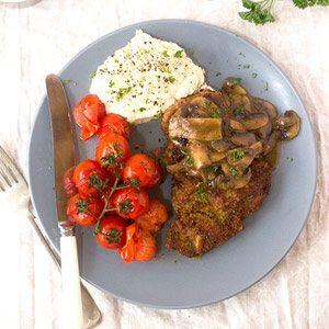 Pork schnitzel with mushroom gravy | Food24