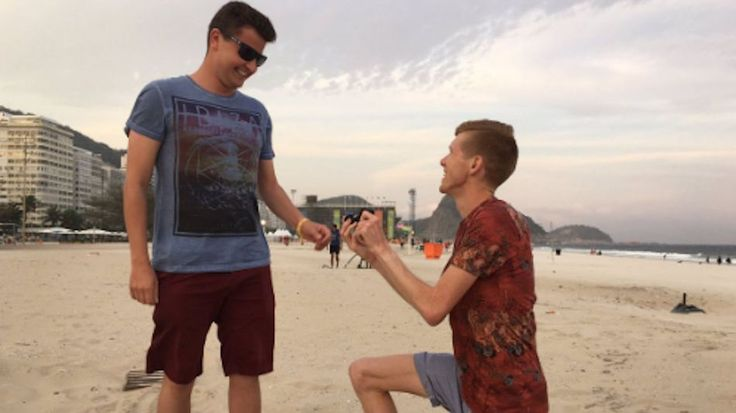 Olympian Tom Bosworth proposed to his boyfriend on a Rio beach