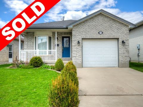 Well Maintained Bungalow with Attached Garage in East London! -   $239,900 - http://www.JeffBroughton.ca/listing/cms/658-railton-ave-london/ -   #RealEstate #ForSale in #London #Ontario by #Realtor