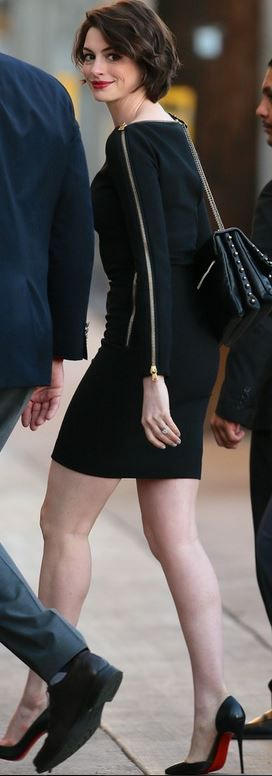 1/15/16; That whole sleeve zipper is a nice touch to the dress!