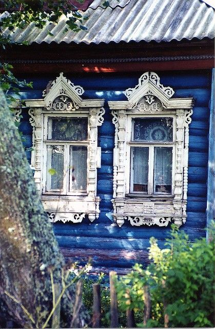 windows: Doors, Vintage Window, Vintage Houses, Blue Houses, Victorian Window, Windows, Cottages, Logs Cabins, Window Frames