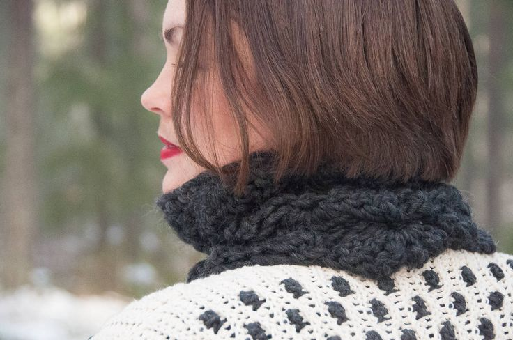 Flowery Cowl Crochet Pattern ★ Crochet pattern for the Flowery Cowl, a warm winter cowl. ★ Easy to modify if you want to change the size. ★ Skill level: EASY ★ Language: English / US crochet terms. Flowery Cowl crochet pattern for a cowl or shawl. This cowl can be modified to if you want to change the size. Put this to use & keep yourself warm throughout fall & winter season. Give it your own look with your choice of color & buttons. Pattern contains: ☆ Gauge ☆ Pictur